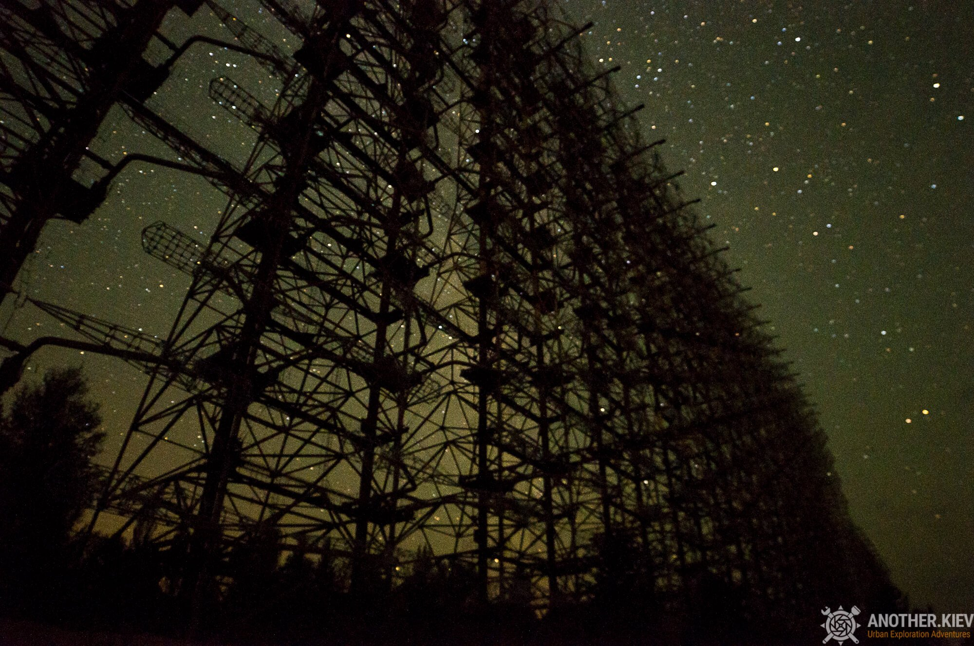 radar station duga-3 under millions of stars