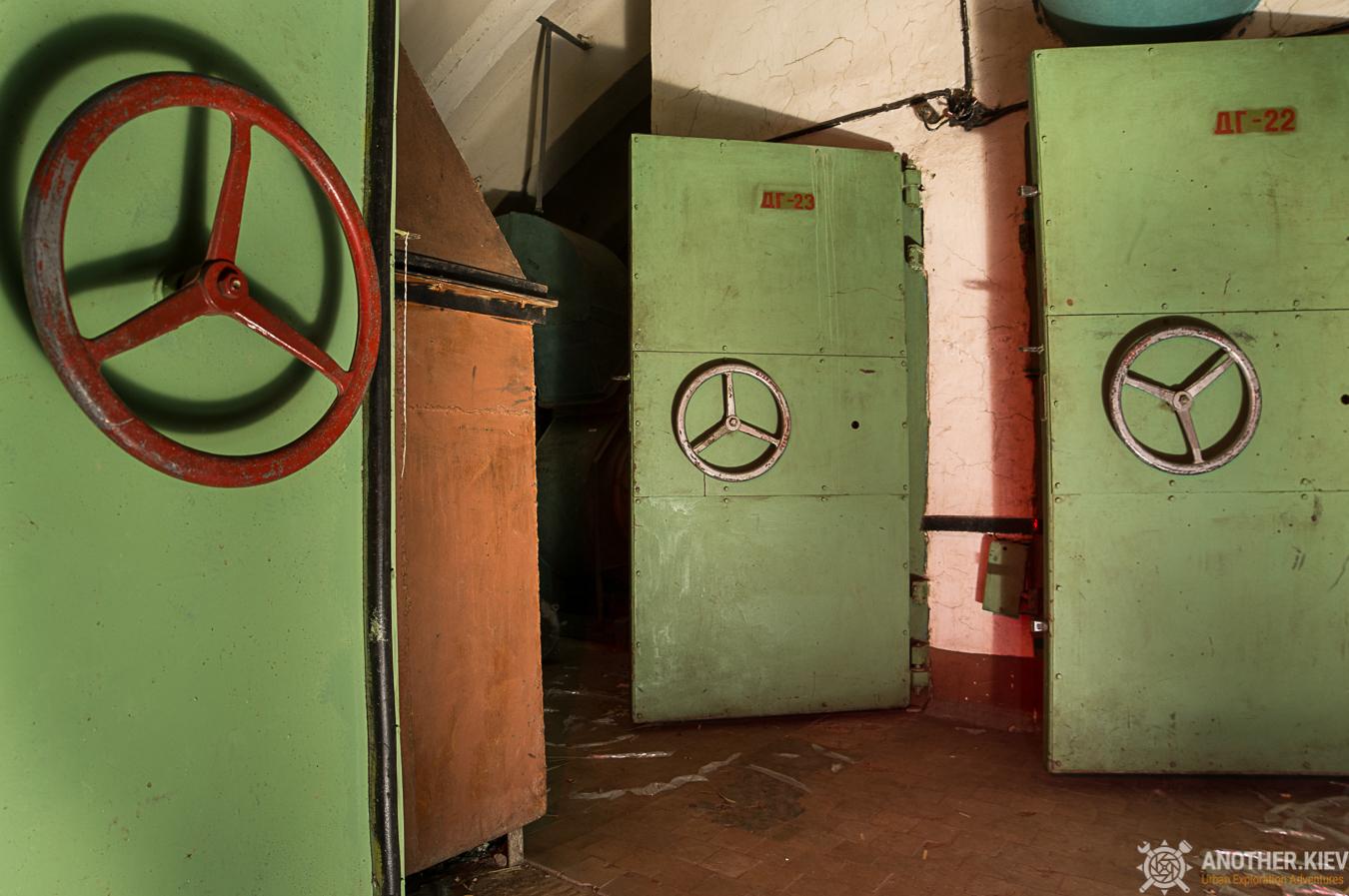 bunker anti-shock wave doors