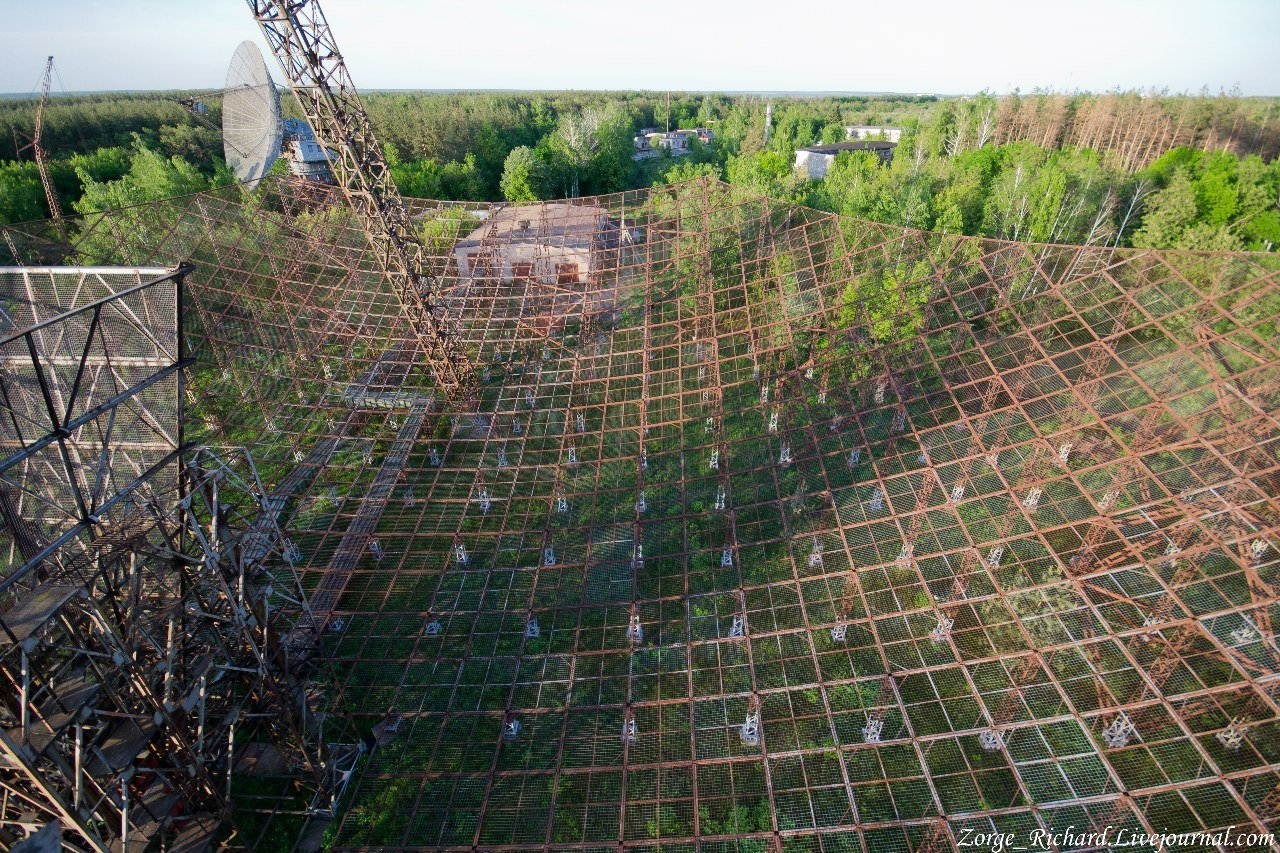 ionosphere-research-station-ukraine4 ABANDONED SOVIET GIGANTS IN UKRAINE: IONOSPHERE RESEARCH STATION AND DUGA-3 RADAR