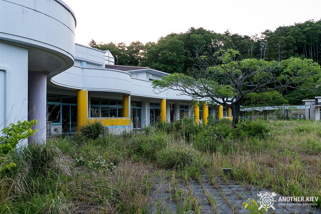 abandoned-kindergarten Поход в заброшенный город Футаба, зона отчуждения Фукусимы