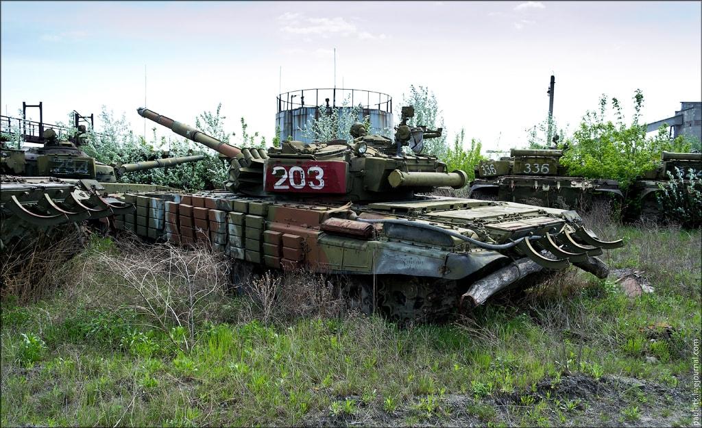 kladbishe_tankov_h11-min IMPRESSIVE TWO TANK GRAVEYARDS IN UKRAINE