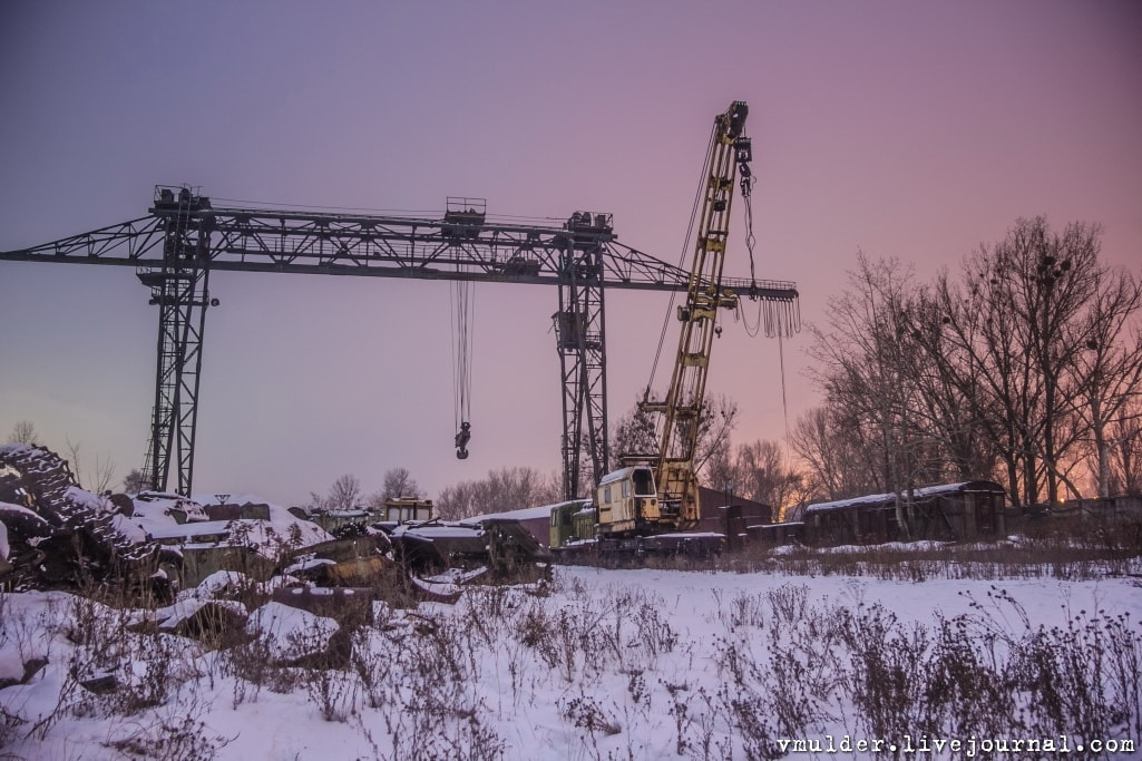 kladbishe_tankov_h3-min IMPRESSIVE TWO TANK GRAVEYARDS IN UKRAINE