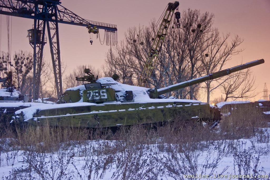 kladbishe_tankov_h5-min IMPRESSIVE TWO TANK GRAVEYARDS IN UKRAINE