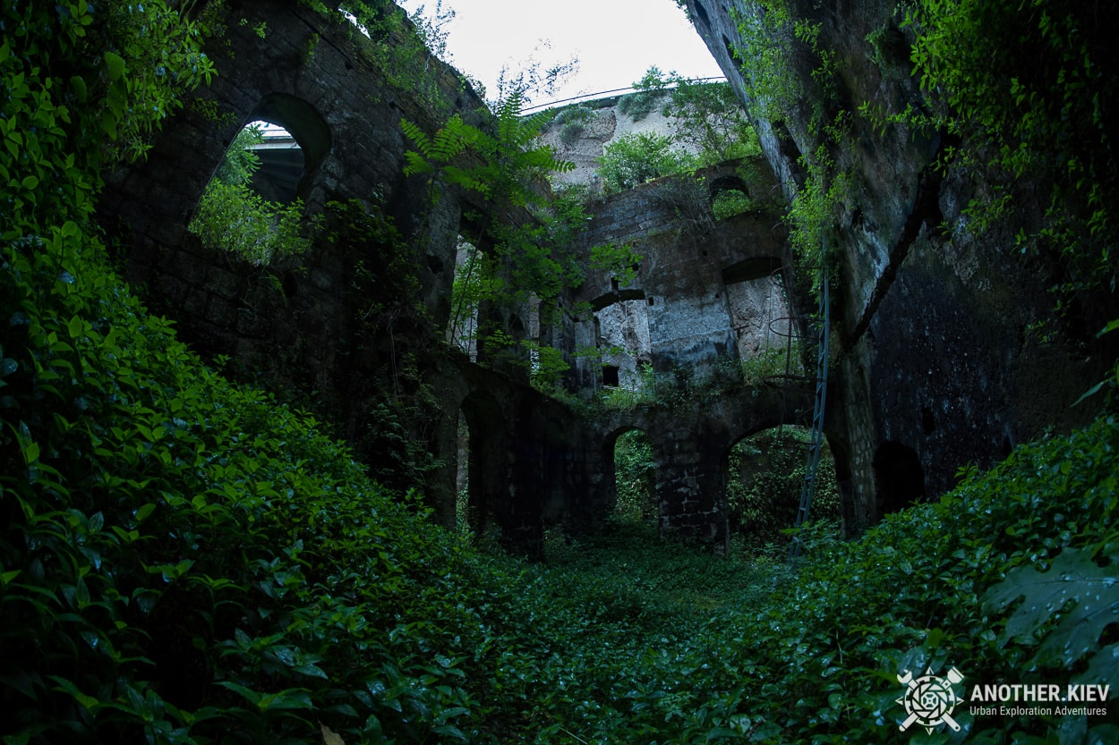abandoned-mill-sorrento-how-to-get2 THE LOST WORLD IN THE BOWELS OF THE TOWN SORRENTO. ITALY