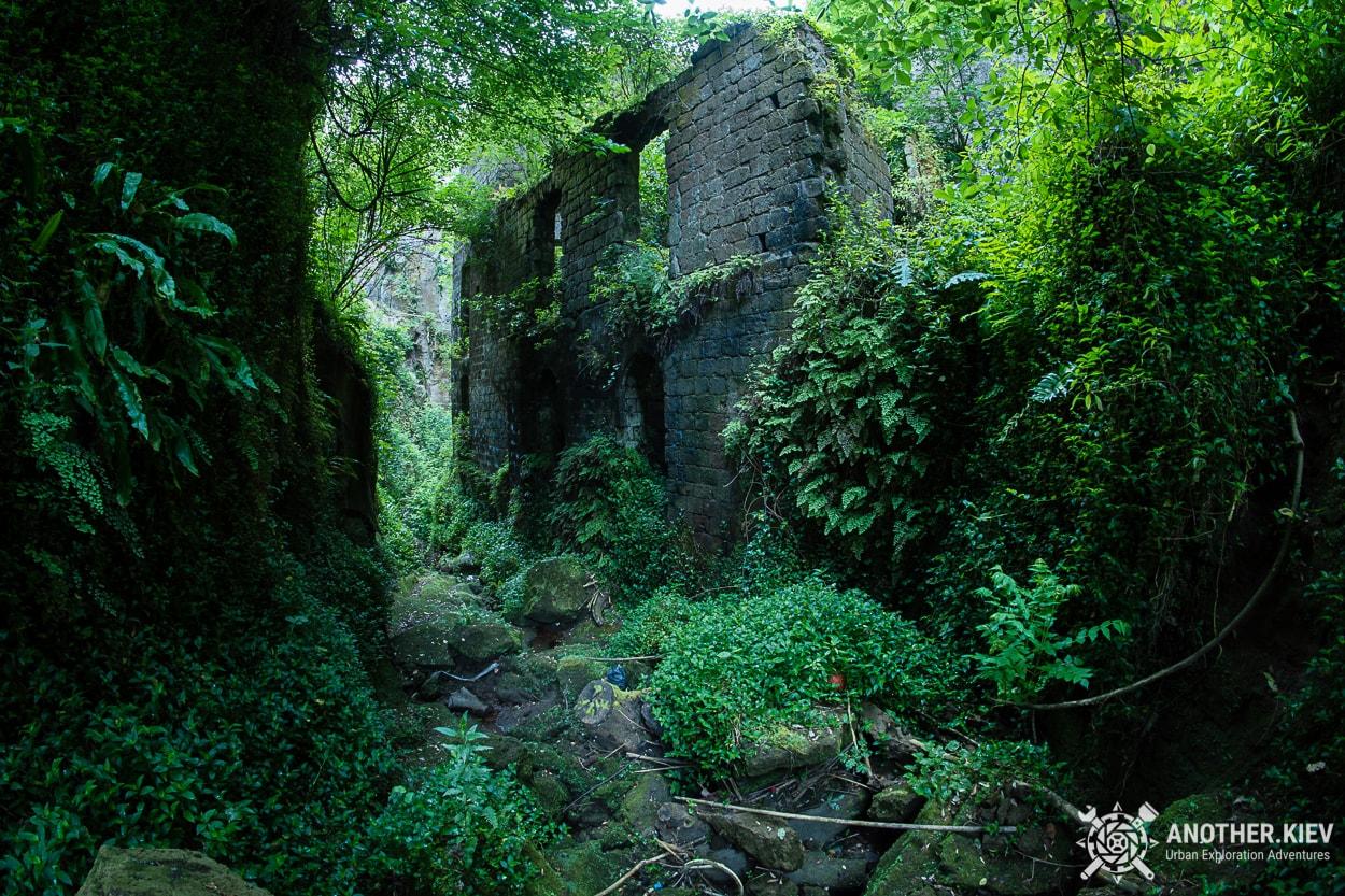 exploring-sorrento-abandoned-mill Затерянный Мир в недрах городка Сорренто. Италия