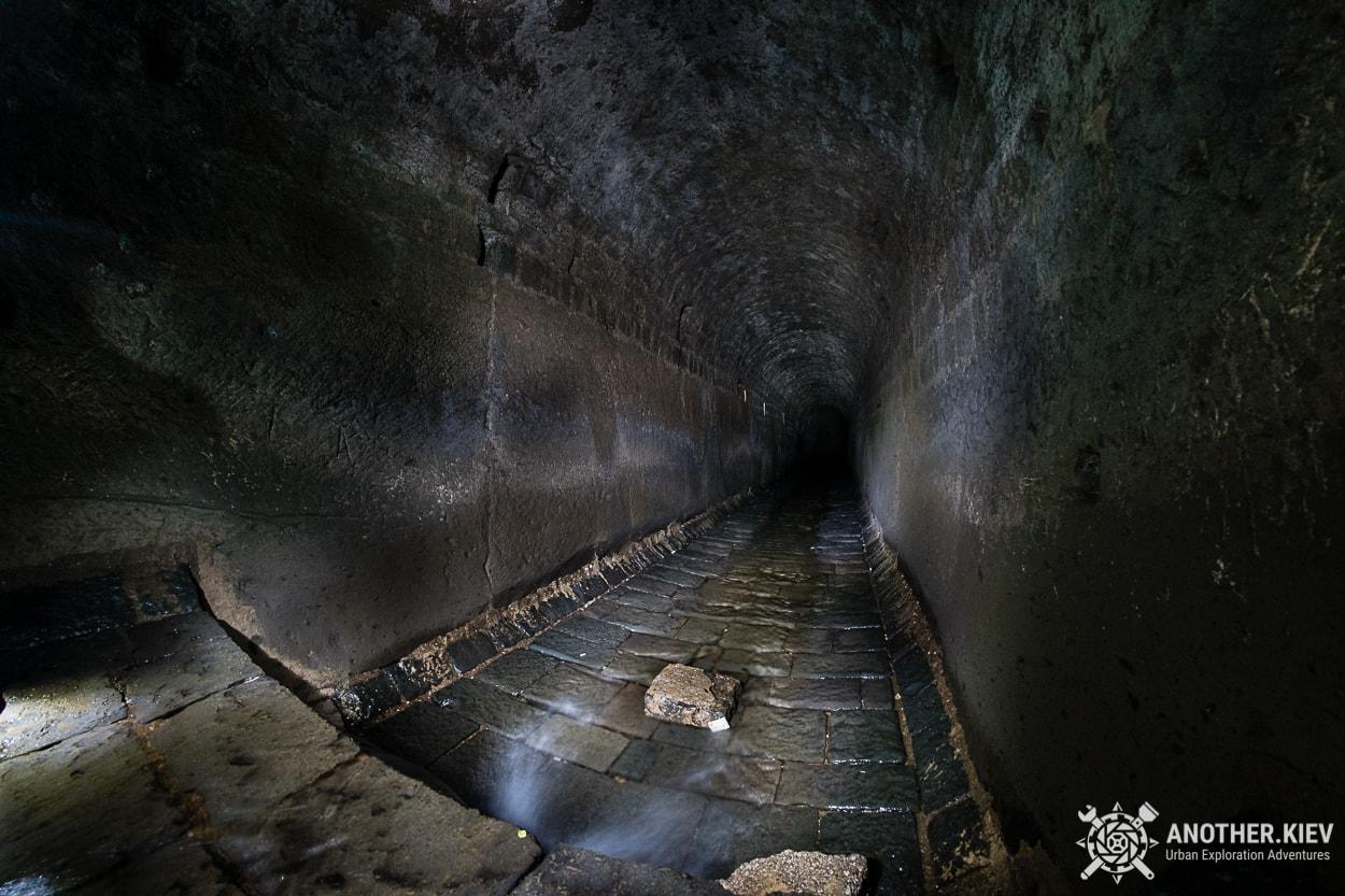 underground-tunnel-sorrento-river3 Затерянный Мир в недрах городка Сорренто. Италия