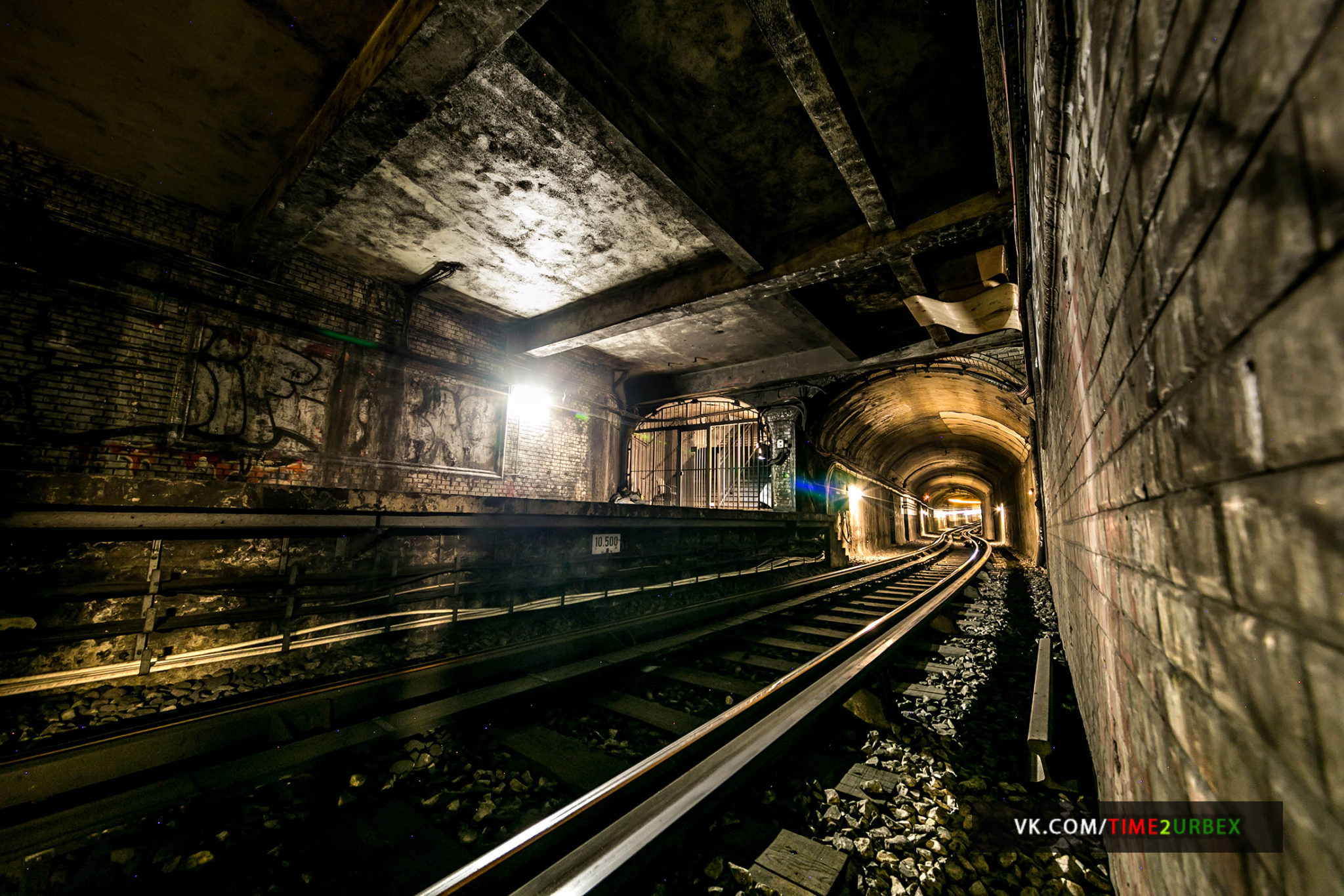 10 7 GHOST STATIONS OF THE PARIS METRO AND HOW TO GET INTO THE ILLEGALLY + UNUSUAL TUNNELS + RER