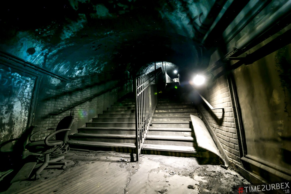 15 7 GHOST STATIONS OF THE PARIS METRO AND HOW TO GET INTO THE ILLEGALLY + UNUSUAL TUNNELS + RER