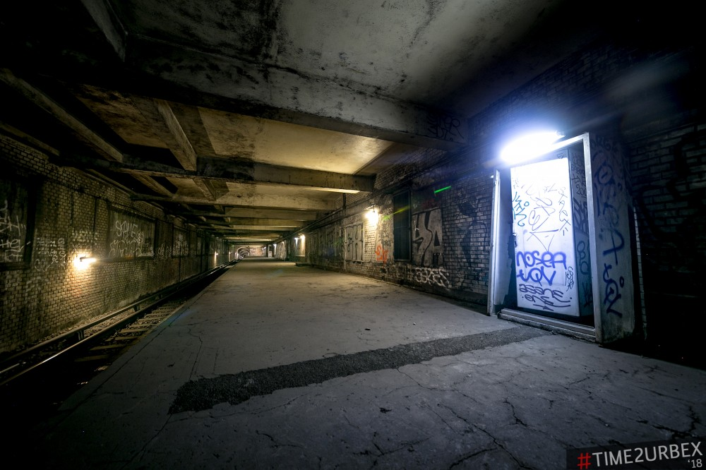 16 7 GHOST STATIONS OF THE PARIS METRO AND HOW TO GET INTO THE ILLEGALLY + UNUSUAL TUNNELS + RER