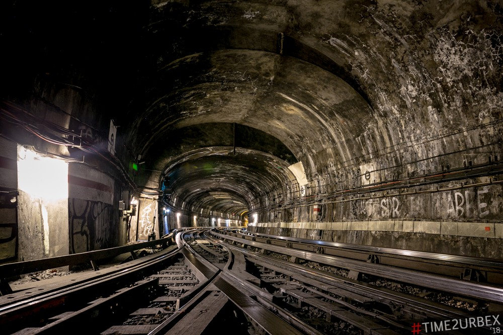 17-1 7 GHOST STATIONS OF THE PARIS METRO AND HOW TO GET INTO THE ILLEGALLY + UNUSUAL TUNNELS + RER