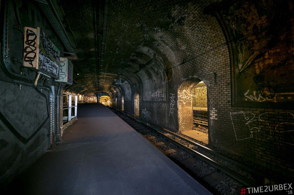 23 7 GHOST STATIONS OF THE PARIS METRO AND HOW TO GET INTO THE ILLEGALLY + UNUSUAL TUNNELS + RER