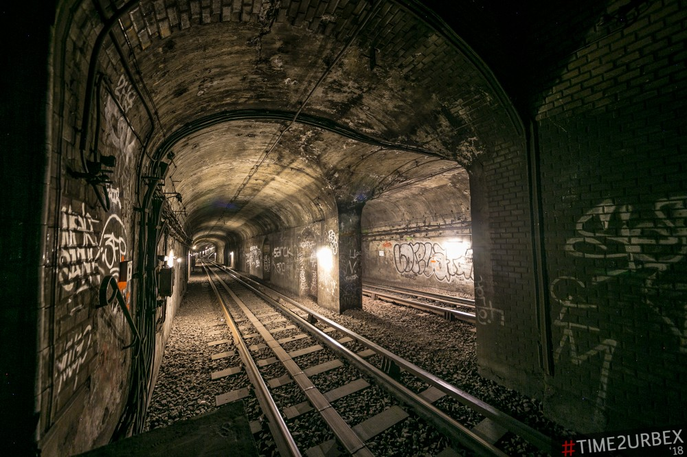 28 7 GHOST STATIONS OF THE PARIS METRO AND HOW TO GET INTO THE ILLEGALLY + UNUSUAL TUNNELS + RER