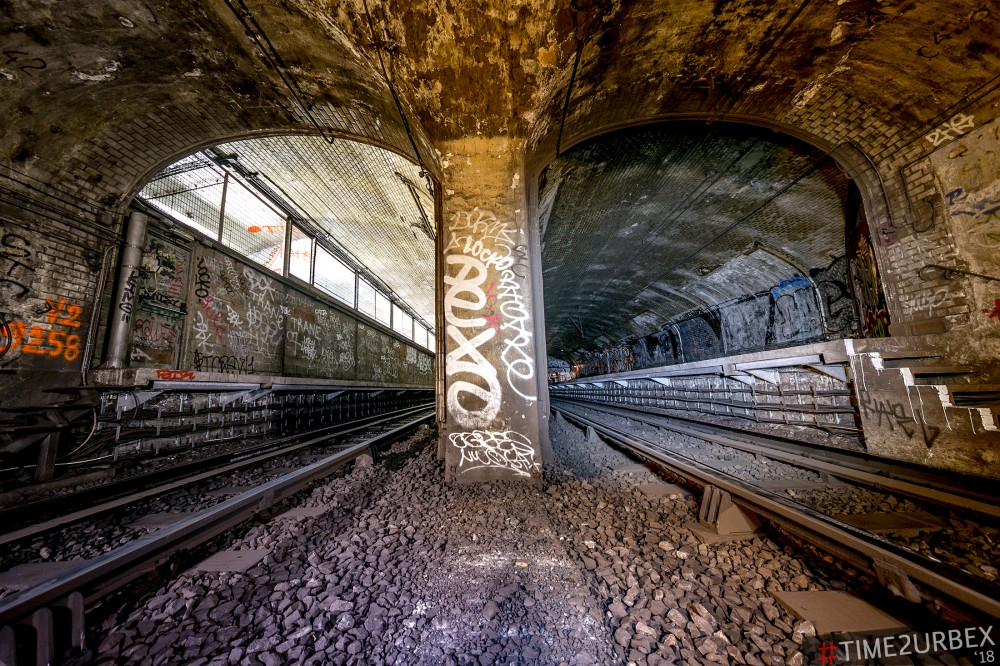 29 7 GHOST STATIONS OF THE PARIS METRO AND HOW TO GET INTO THE ILLEGALLY + UNUSUAL TUNNELS + RER