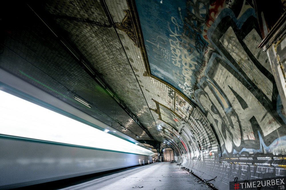 3 7 GHOST STATIONS OF THE PARIS METRO AND HOW TO GET INTO THE ILLEGALLY + UNUSUAL TUNNELS + RER