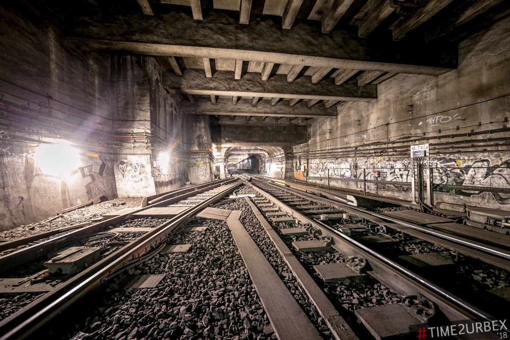 44 7 GHOST STATIONS OF THE PARIS METRO AND HOW TO GET INTO THE ILLEGALLY + UNUSUAL TUNNELS + RER