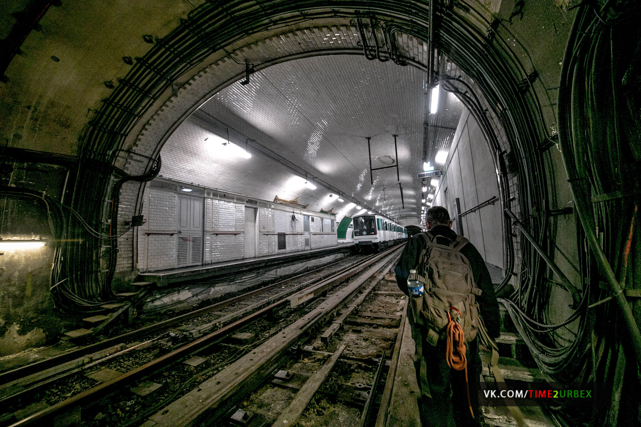 51 7 GHOST STATIONS OF THE PARIS METRO AND HOW TO GET INTO THE ILLEGALLY + UNUSUAL TUNNELS + RER
