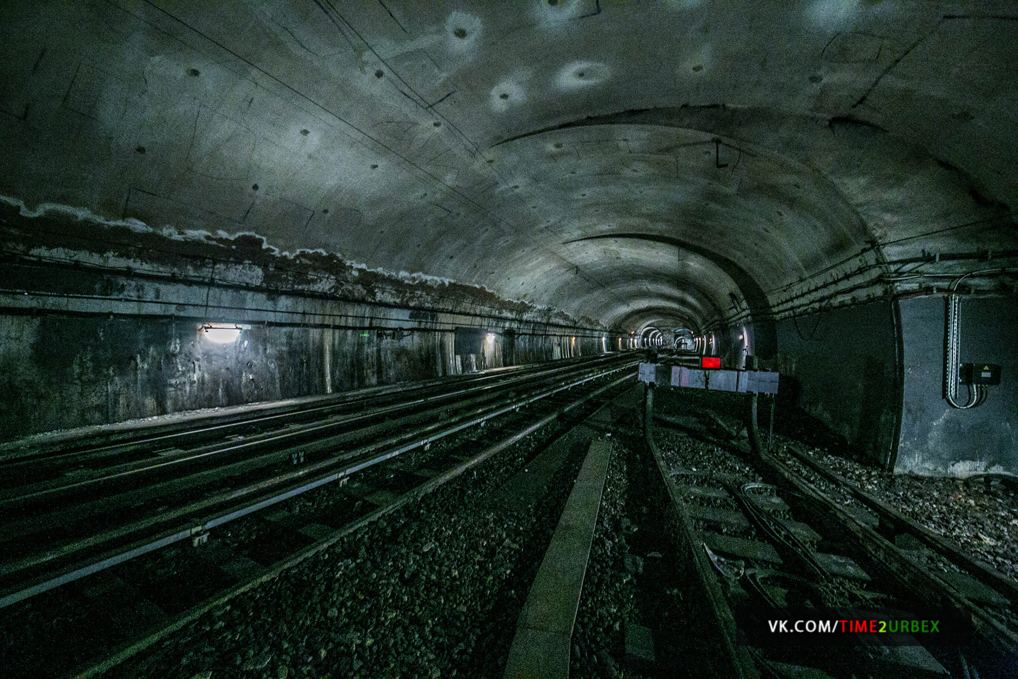 53 7 GHOST STATIONS OF THE PARIS METRO AND HOW TO GET INTO THE ILLEGALLY + UNUSUAL TUNNELS + RER