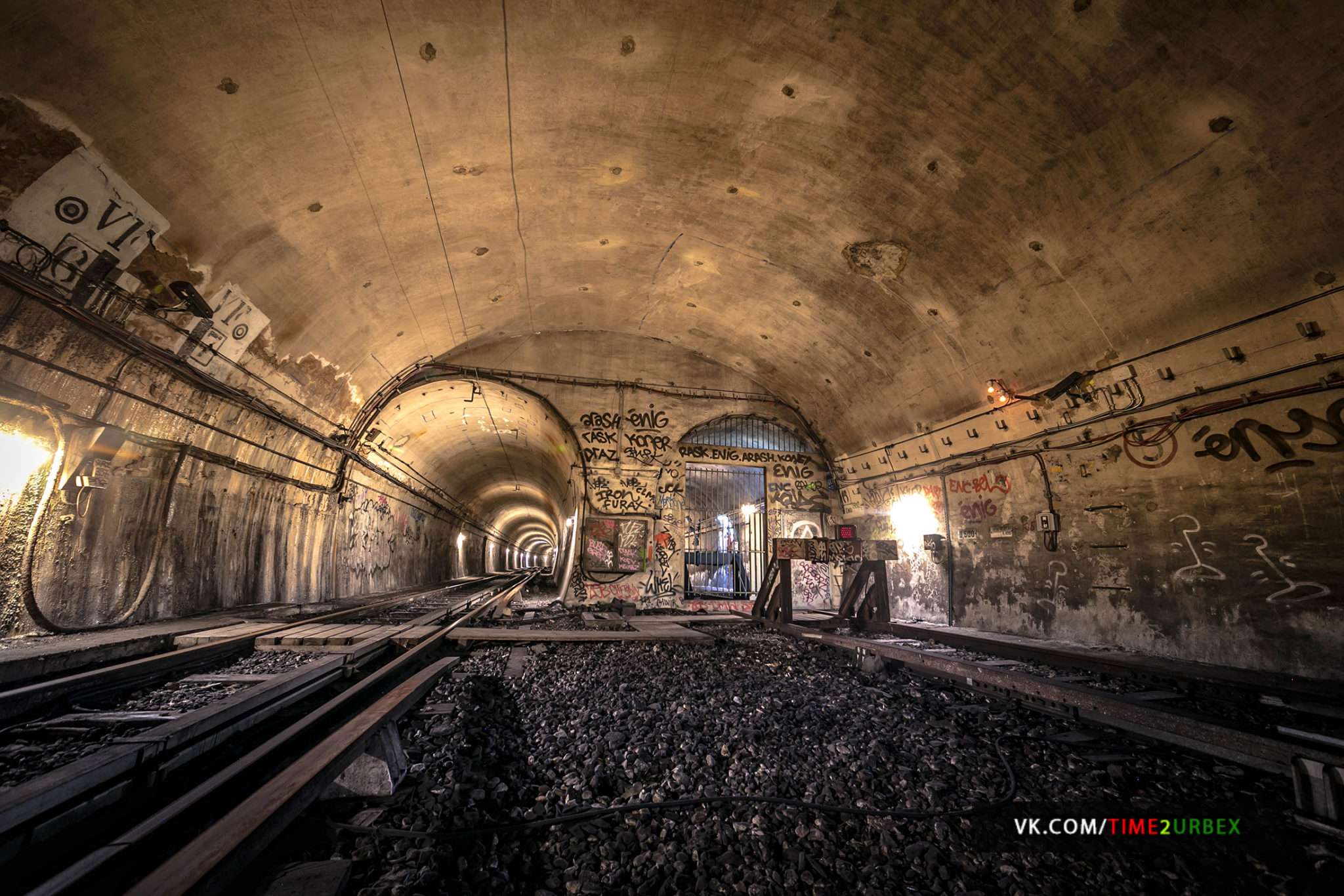 56 7 GHOST STATIONS OF THE PARIS METRO AND HOW TO GET INTO THE ILLEGALLY + UNUSUAL TUNNELS + RER