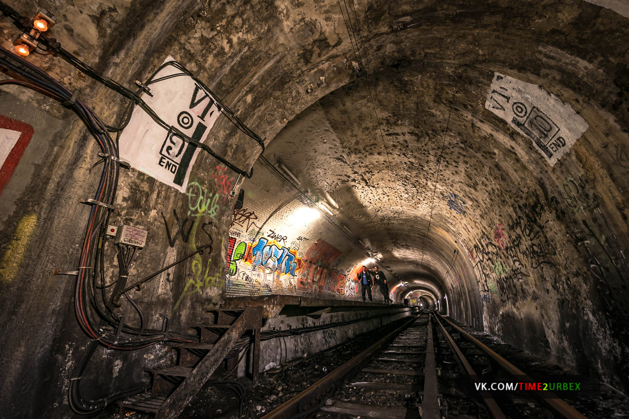 58 7 GHOST STATIONS OF THE PARIS METRO AND HOW TO GET INTO THE ILLEGALLY + UNUSUAL TUNNELS + RER