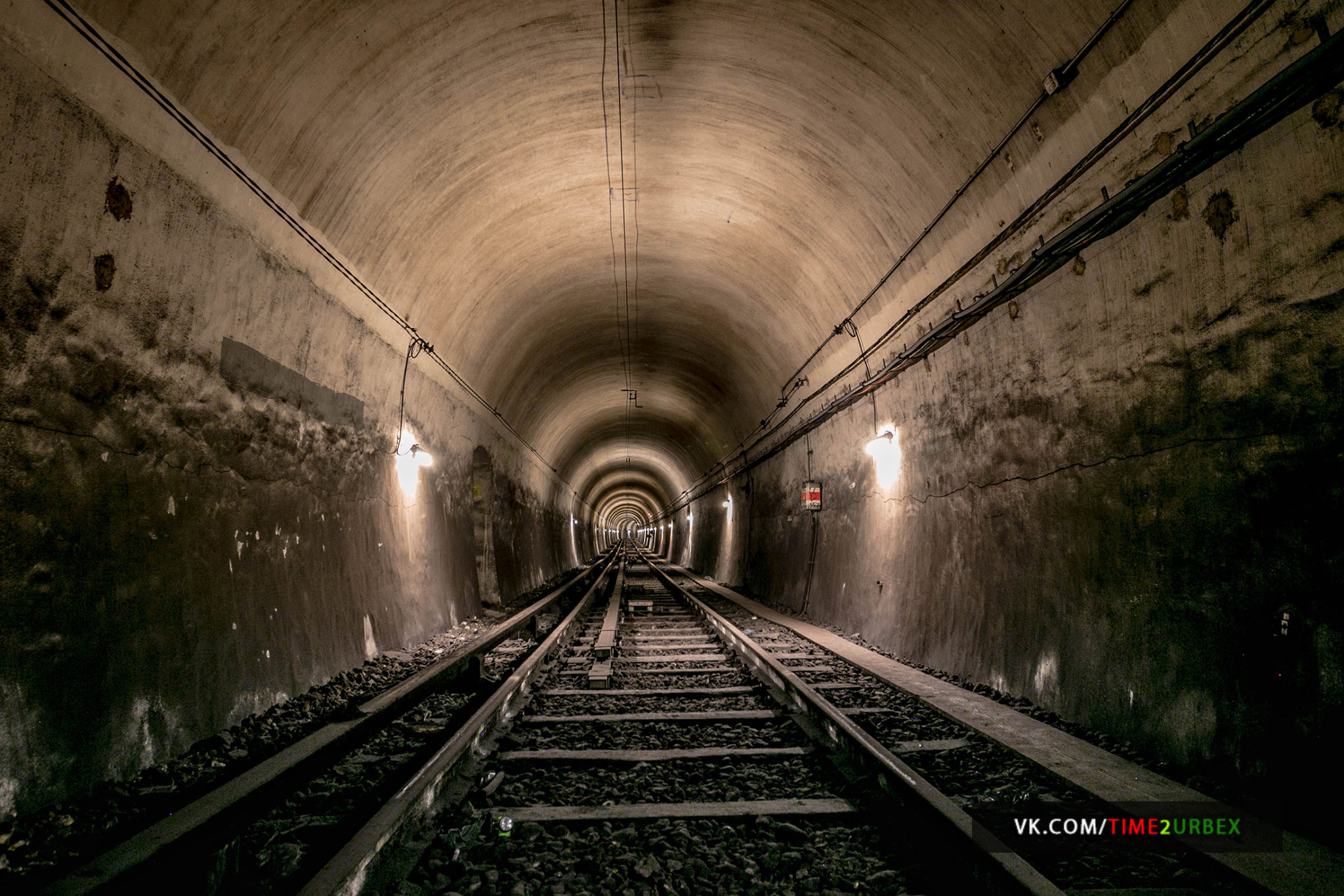 60 7 GHOST STATIONS OF THE PARIS METRO AND HOW TO GET INTO THE ILLEGALLY + UNUSUAL TUNNELS + RER