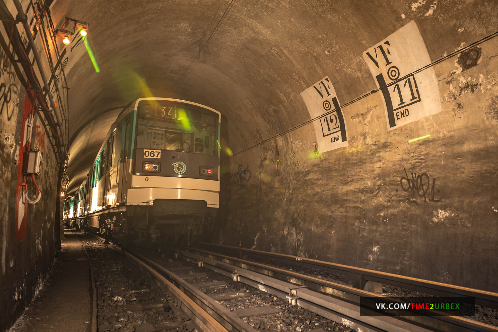 62 7 GHOST STATIONS OF THE PARIS METRO AND HOW TO GET INTO THE ILLEGALLY + UNUSUAL TUNNELS + RER