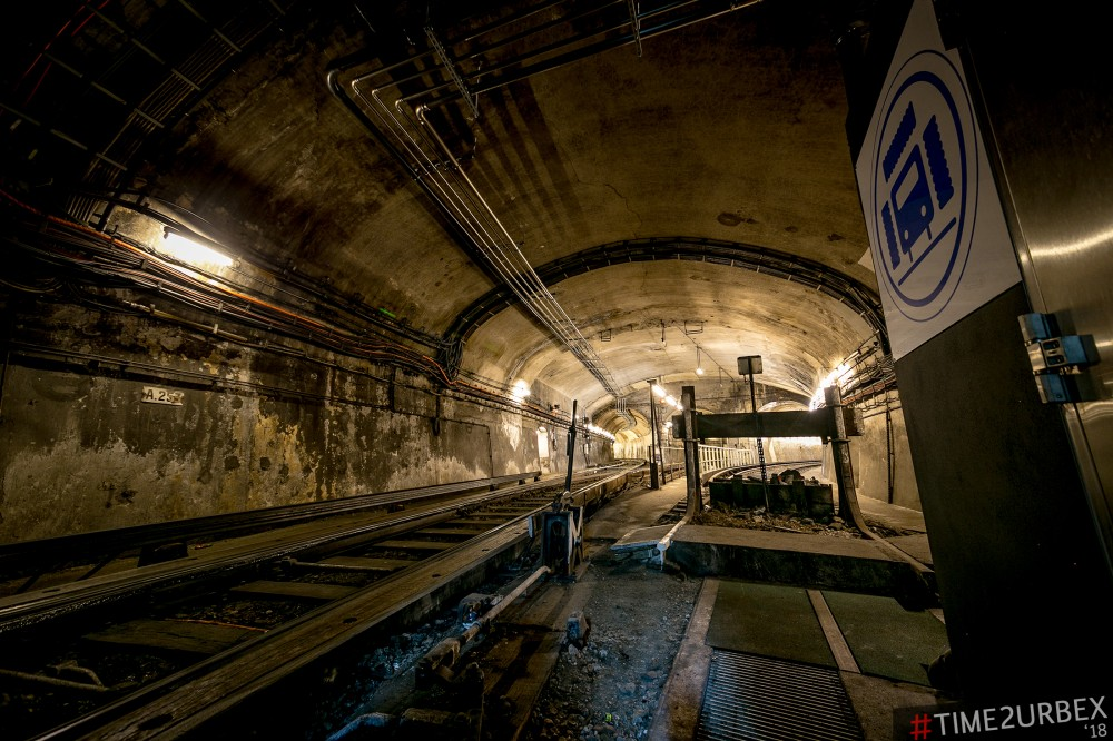 9-1 7 GHOST STATIONS OF THE PARIS METRO AND HOW TO GET INTO THE ILLEGALLY + UNUSUAL TUNNELS + RER