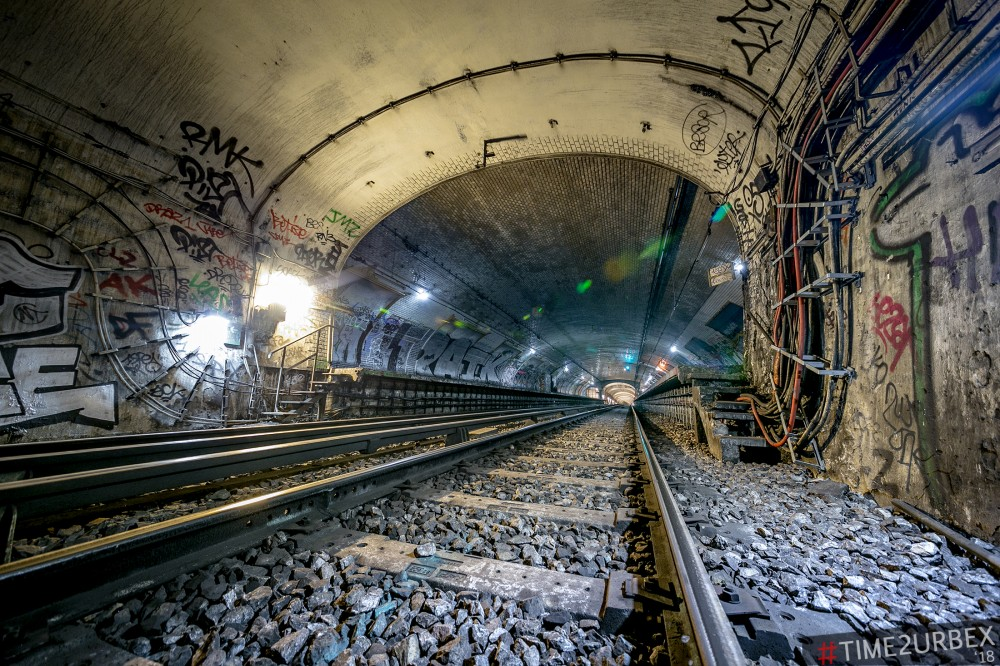 9 7 GHOST STATIONS OF THE PARIS METRO AND HOW TO GET INTO THE ILLEGALLY + UNUSUAL TUNNELS + RER