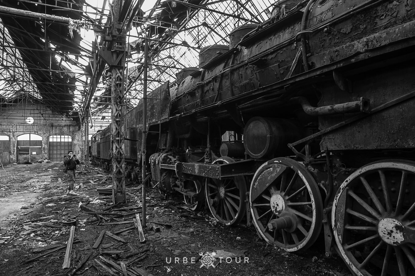abandoned steam trains in budapest