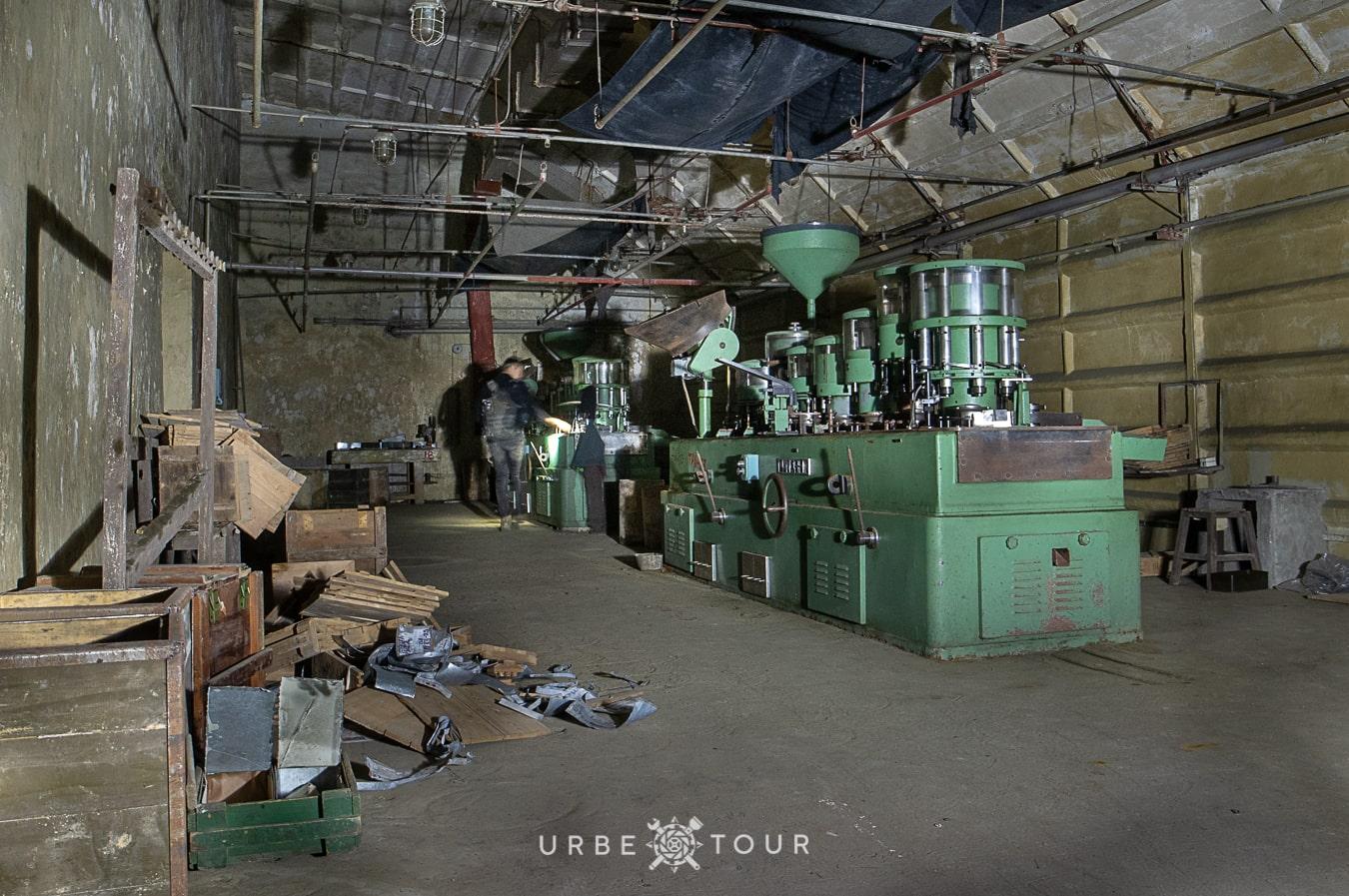 polican-communist-wearpon-underground-plant-1 Поличан: секретный военный бункер-завод коммунистов в горах Албании