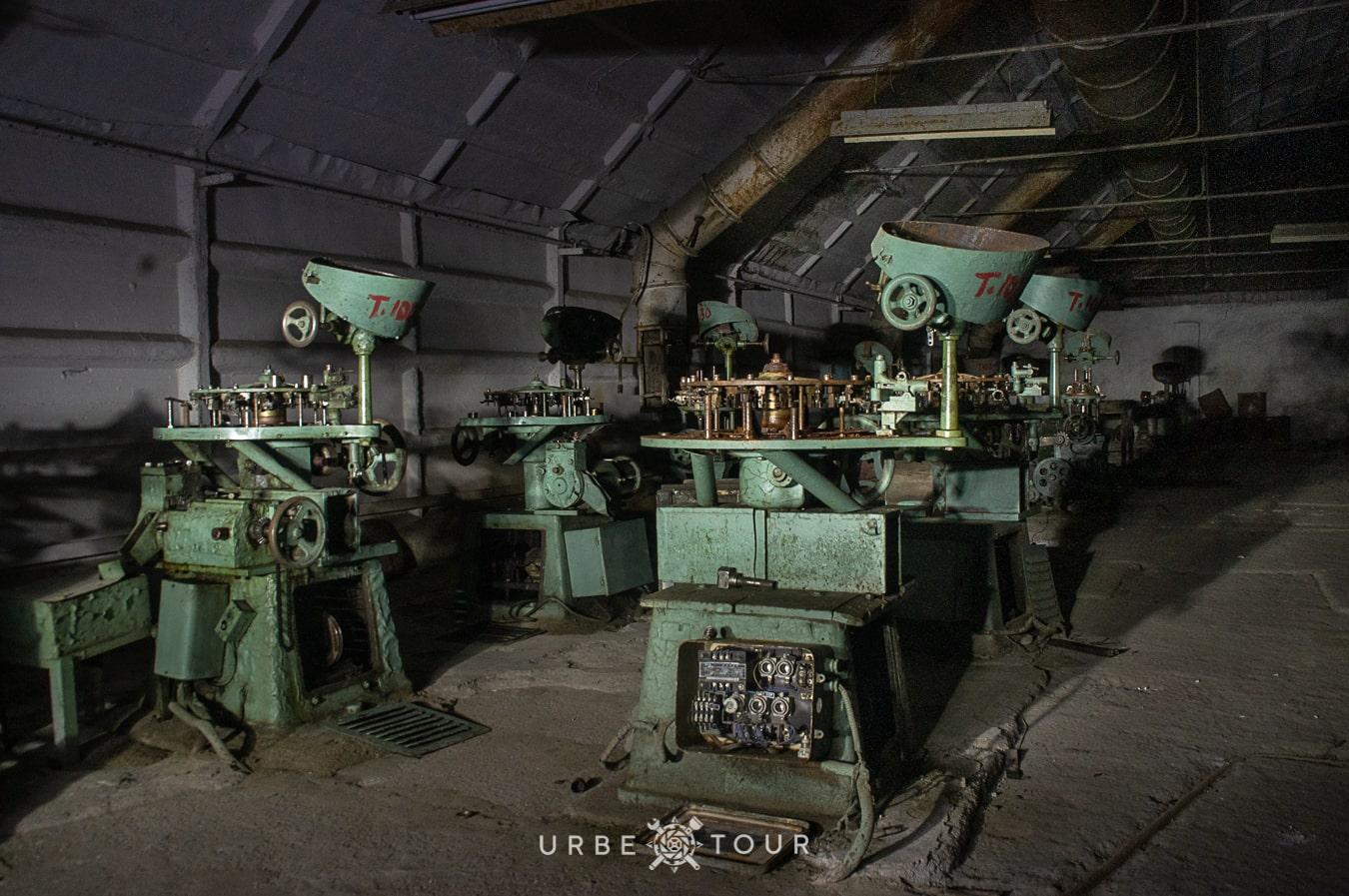 polican-communist-wearpon-underground-plant-36 Поличан: секретный военный бункер-завод коммунистов в горах Албании