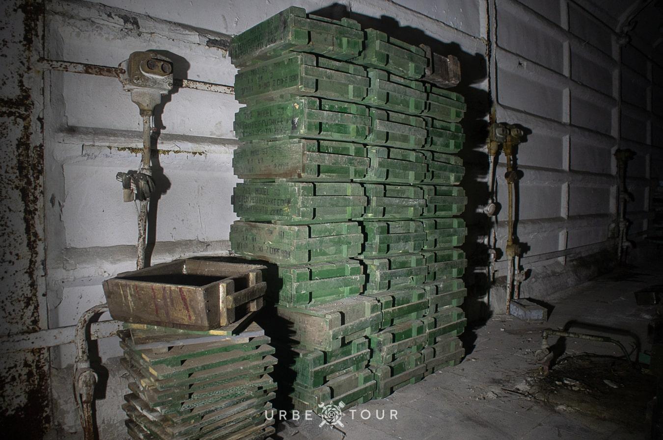polican-communist-wearpon-underground-plant-40 Поличан: секретный военный бункер-завод коммунистов в горах Албании