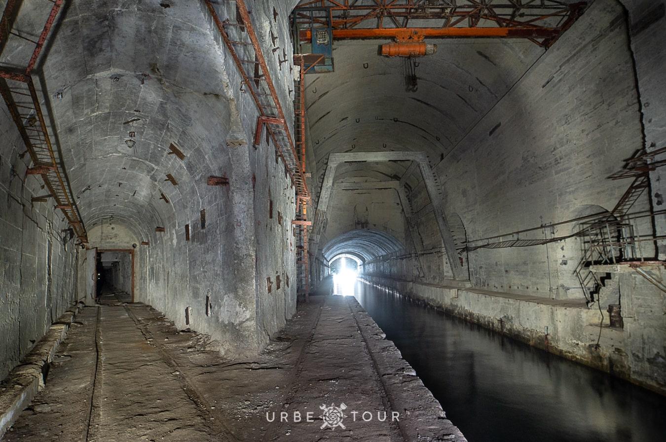 porto-palermo-submarine-base-albania-1-1 Подземная база для подводных лодок в Порто Палермо, Албания