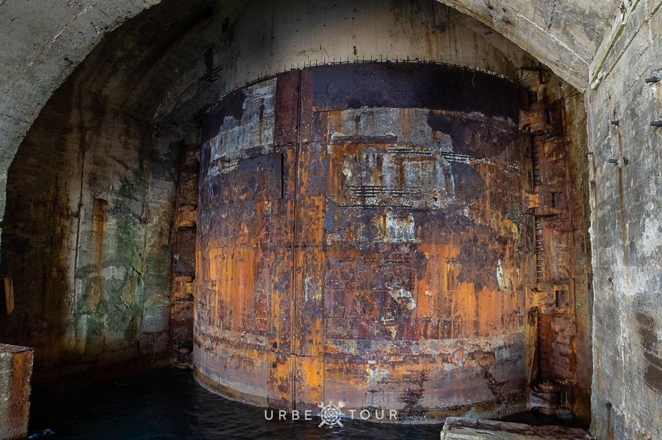 porto-palermo-submarine-base-albania-1 Подземная база для подводных лодок в Порто Палермо, Албания
