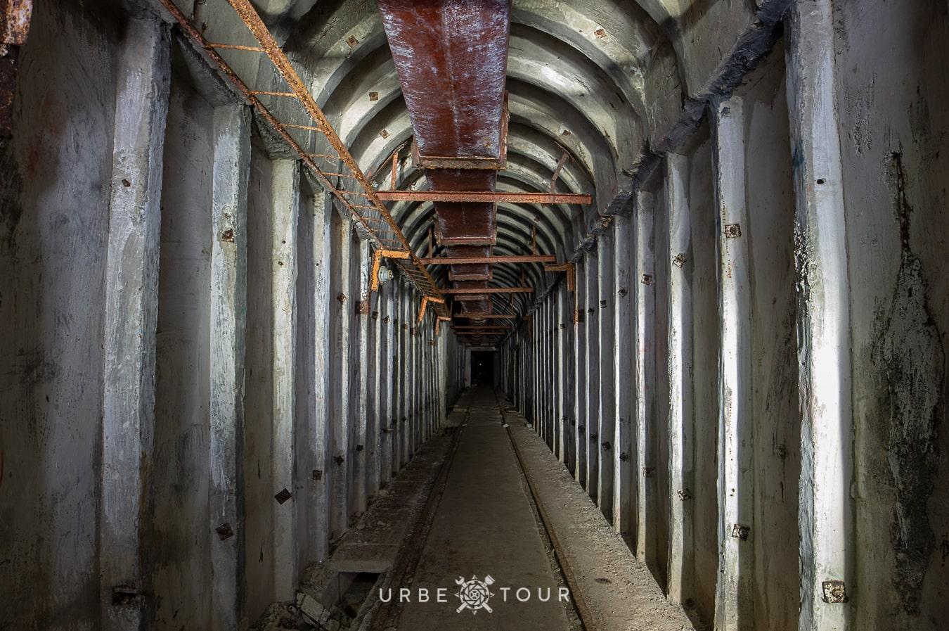 porto-palermo-submarine-base-albania-14-2 Подземная база для подводных лодок в Порто Палермо, Албания