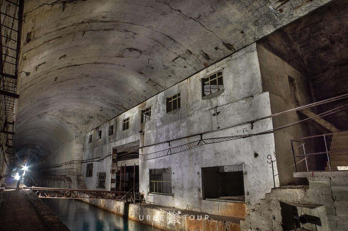 porto-palermo-submarine-base-albania-3-1 Подземная база для подводных лодок в Порто Палермо, Албания