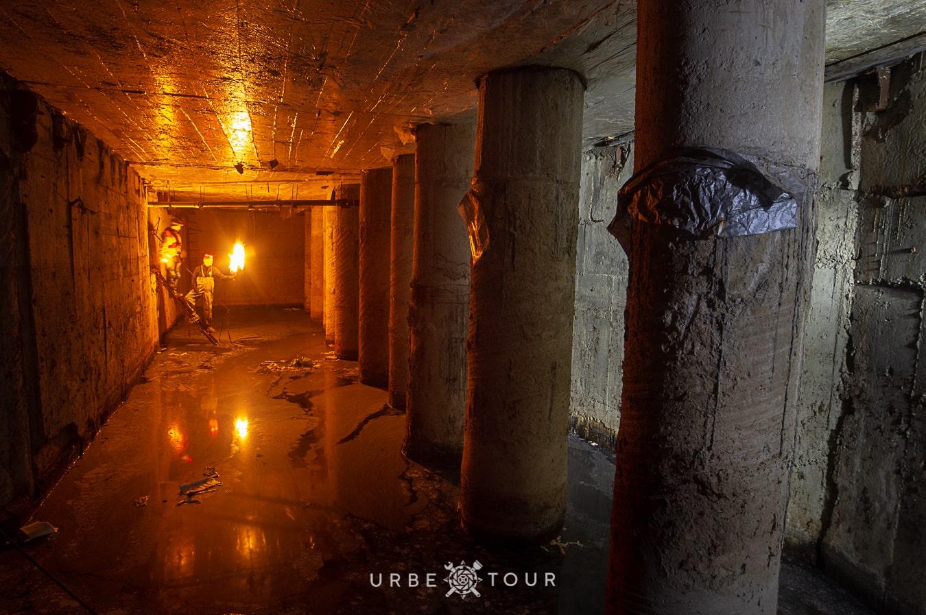 exploring collumn hall in skomoroh river