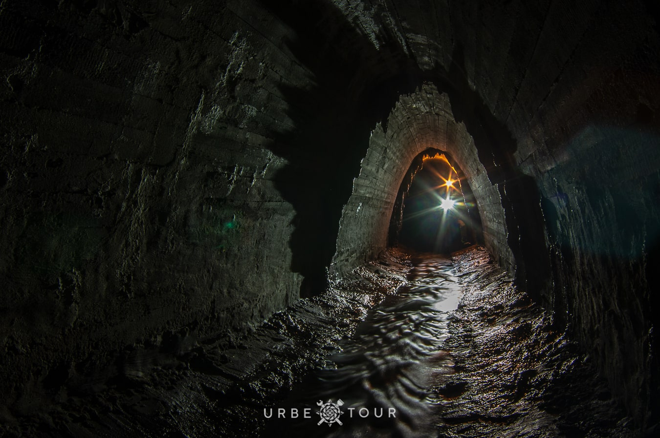kyiv-urbex-tour NEVODNICHI UNDERGROUND RIVER IN KYIV