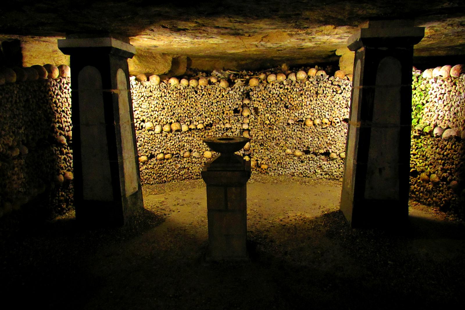4 Парижские катакомбы: мертвые помнят все